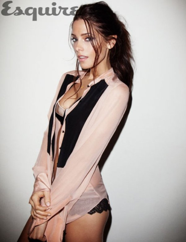 Ashley Greene - Esquire Ao�t 2012